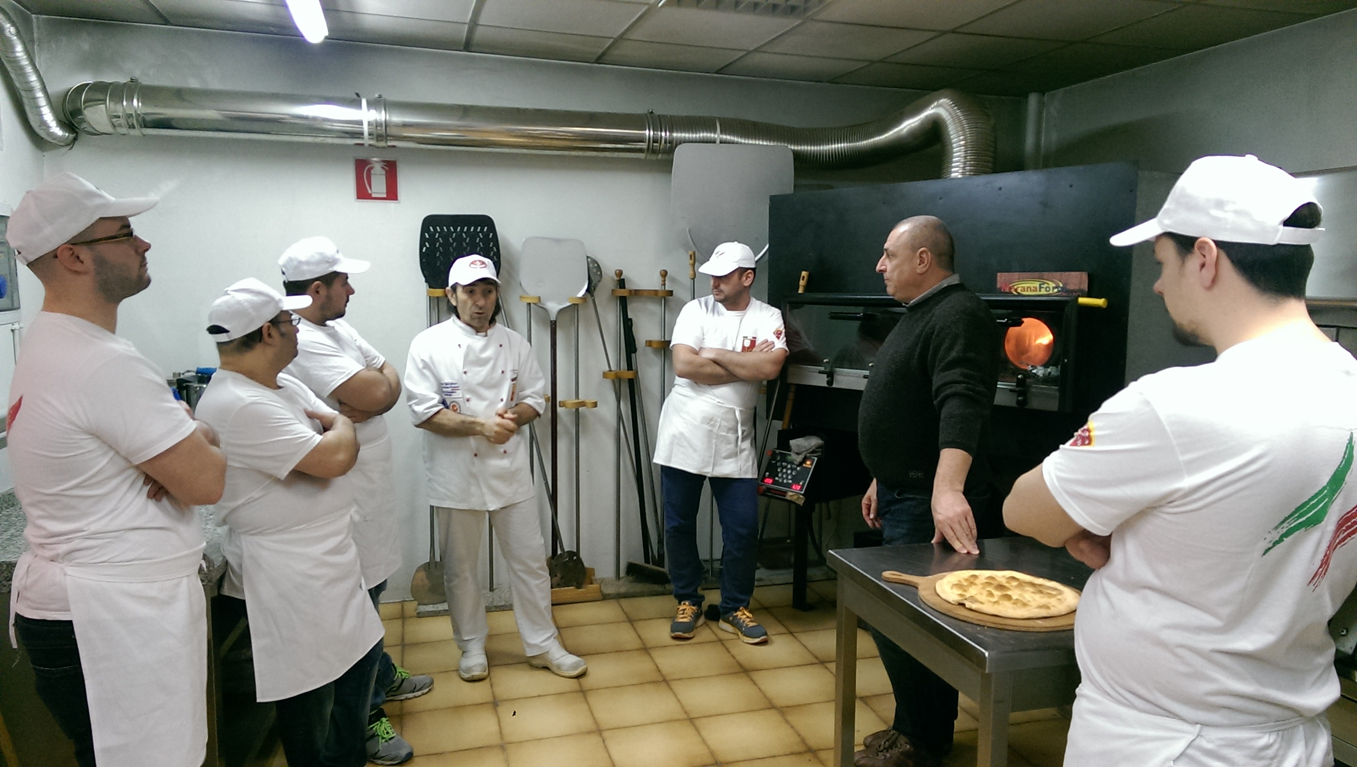 Graziano Bertuzzo explains about the oven